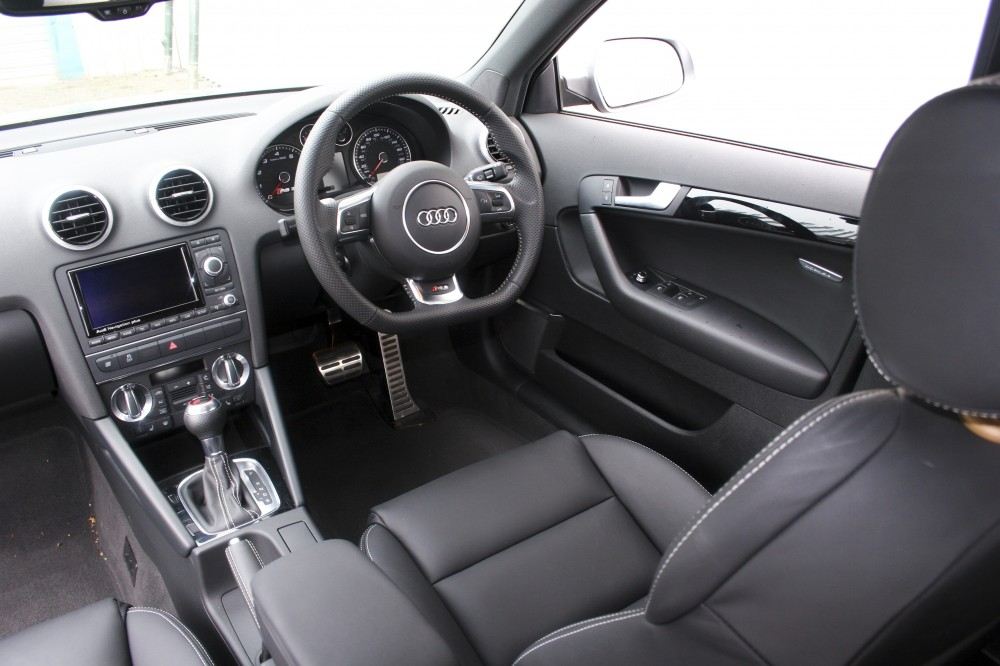 audi audi a3 sport back business line noire