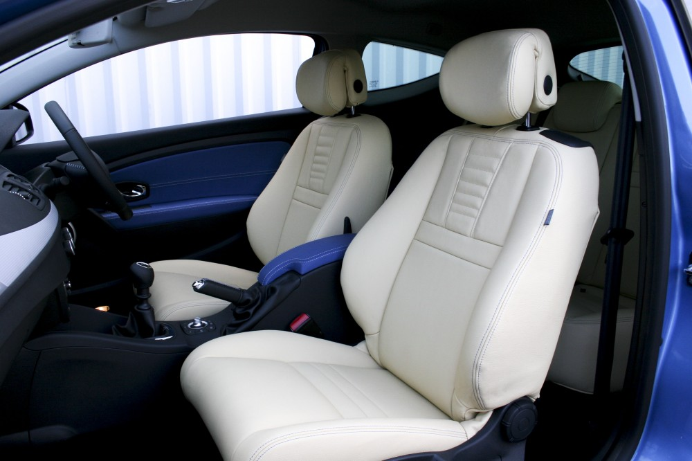 Renault Megane Coupe Dynamique With Artisan Cream Seats And Blue Sections Trim Technik