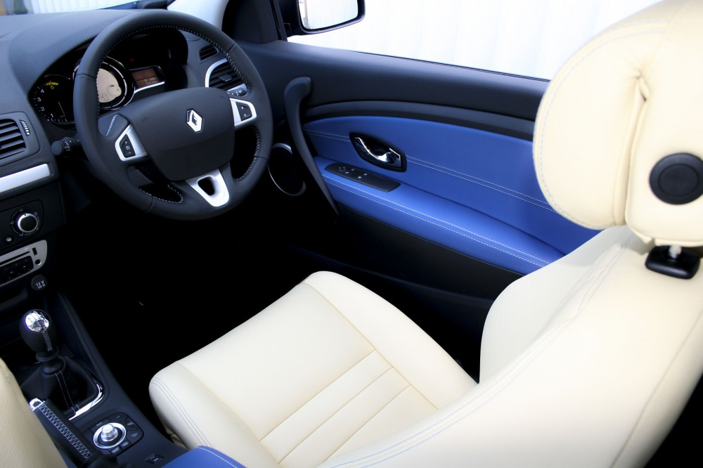 Renault Megane Coupe Dynamique With Artisan Cream Seats