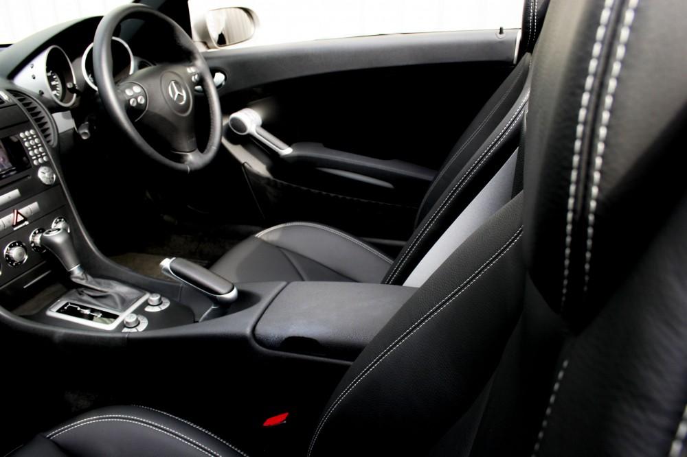 mercedes 171 slk roadster with black leather seats with silver stitching trim technik. Black Bedroom Furniture Sets. Home Design Ideas