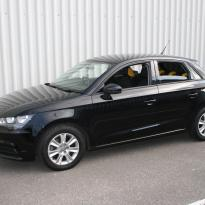 Audi a1 sptback se black with yellow inserts(1)