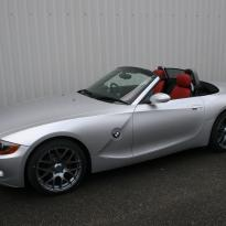 Bmw e89 z4 roadster black with quilted red inserts(1)