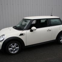 Mini r56 hatch cooper black with cream piping(1)