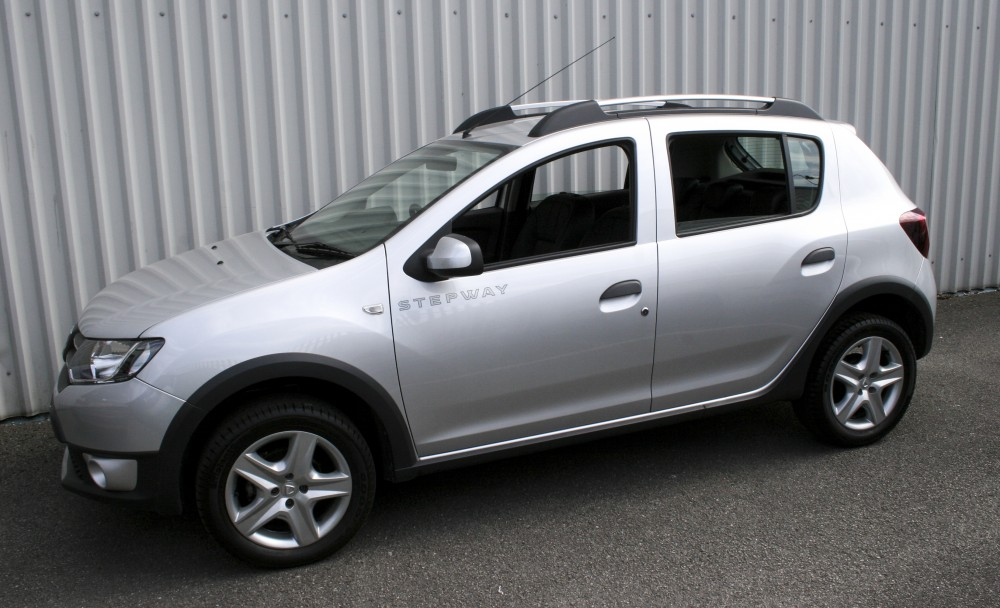 Dacia Sandero Stepway Black Leather With Silver Stitching
