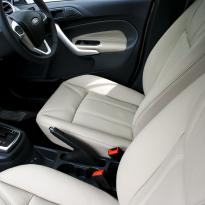 Ford fiesta 5dr titanium pearl leather 006