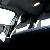 Renault captur dynamique black with grey fluted sections 004