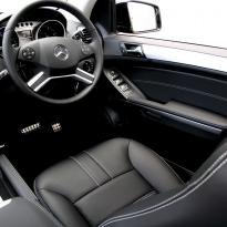 Merc 164 ml sport black with white stitching 009