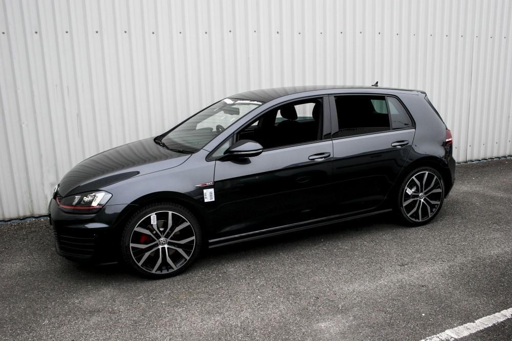 Volkswagen Golf Mk7 5 Door With Black Leather Trim Technik