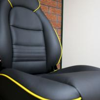 Porsche 911 black leather seat with yellow piping 3